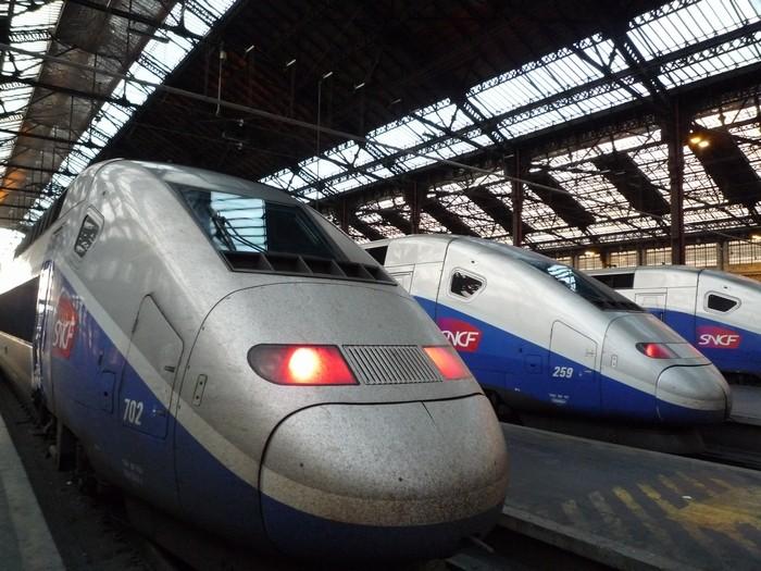パリからリヨンへ電車で移動