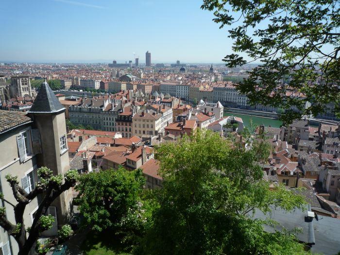 [フランス旅行記] リヨン・ユースホステルからの旧市街の眺めは絶景!