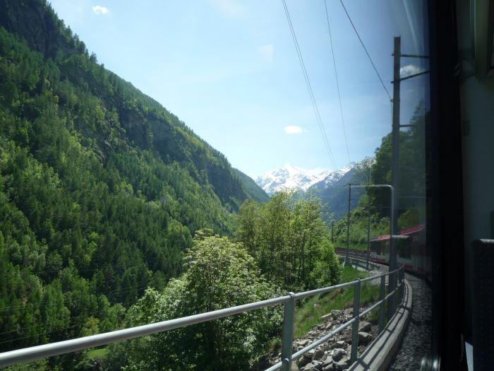 [スイス旅行記] ブリークからツェルマットの電車移動が絶景だった!