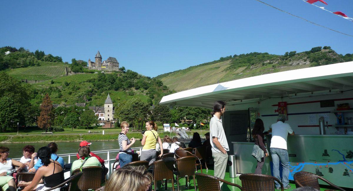[ドイツ旅行記] 観光船でライン川下り。リューデスハイムからコブレンツへ。