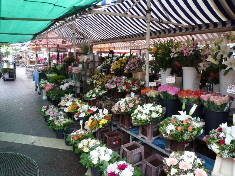 ニース旧市街の花市