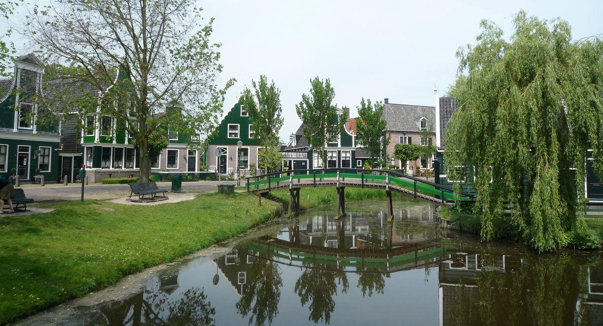 [オランダ 旅行] 風車村ザーンセ・スカンスへの行き方。キンデルダイクに負けない魅力的な観光スポット!
