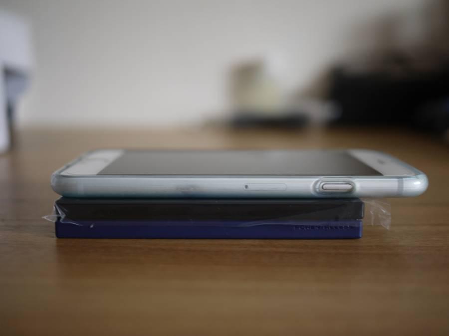 ポータブルHDDの厚みは1cmくらい