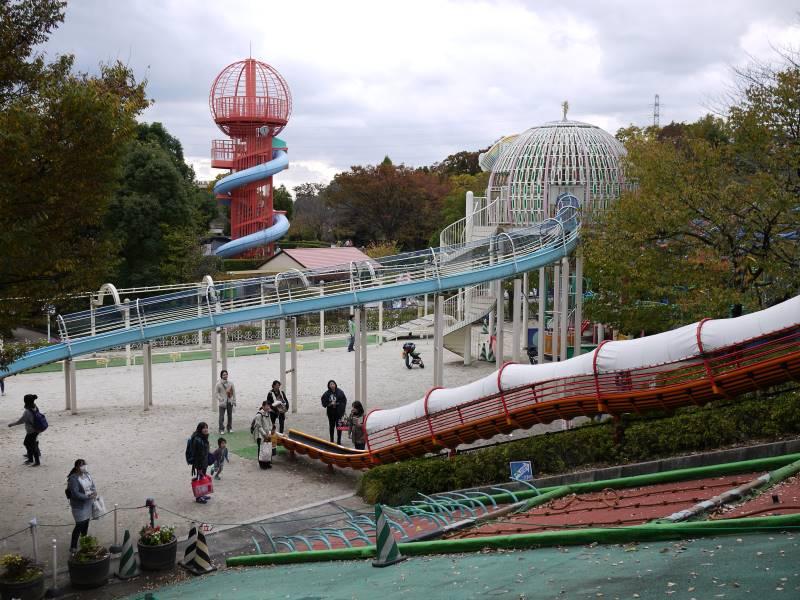 グリーンセンターには大きな滑り台が3つあります