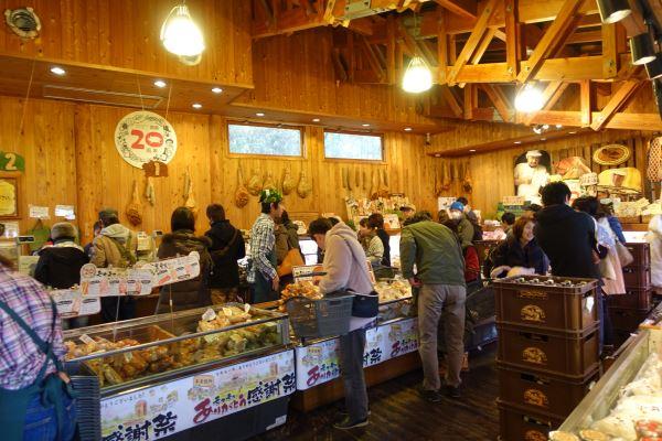 「モクモク」の名は三重県内における著名な食品ブランドになっています