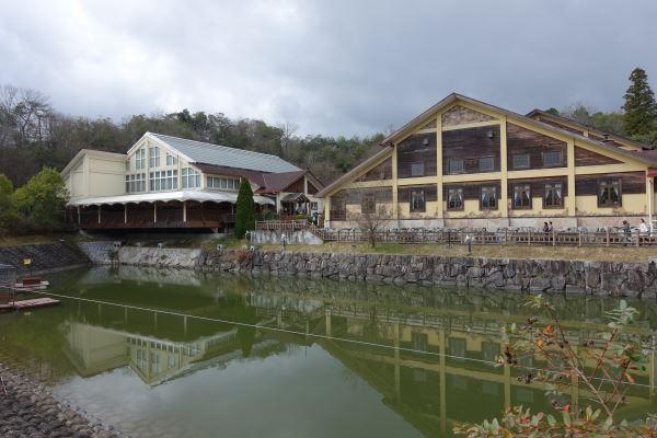 モクモクファームのPaPaビアレストランの建物