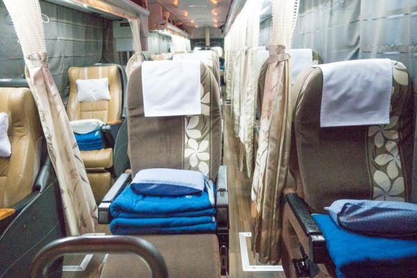 夜行バス「VIPライナー」の車内