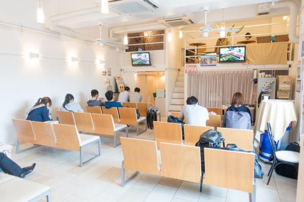 VIPライナーの京都ラウンジの室内