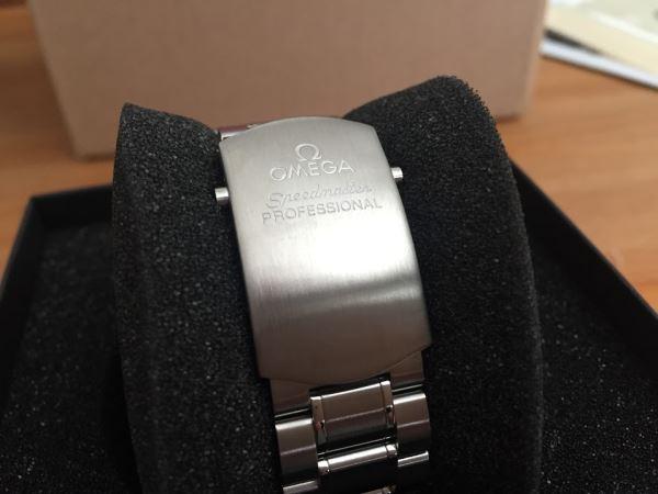 ライトポリッシュ後のオメガ時計のブレス部分