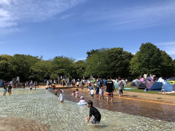 アンデルセン公園の水遊び場「にじの池」